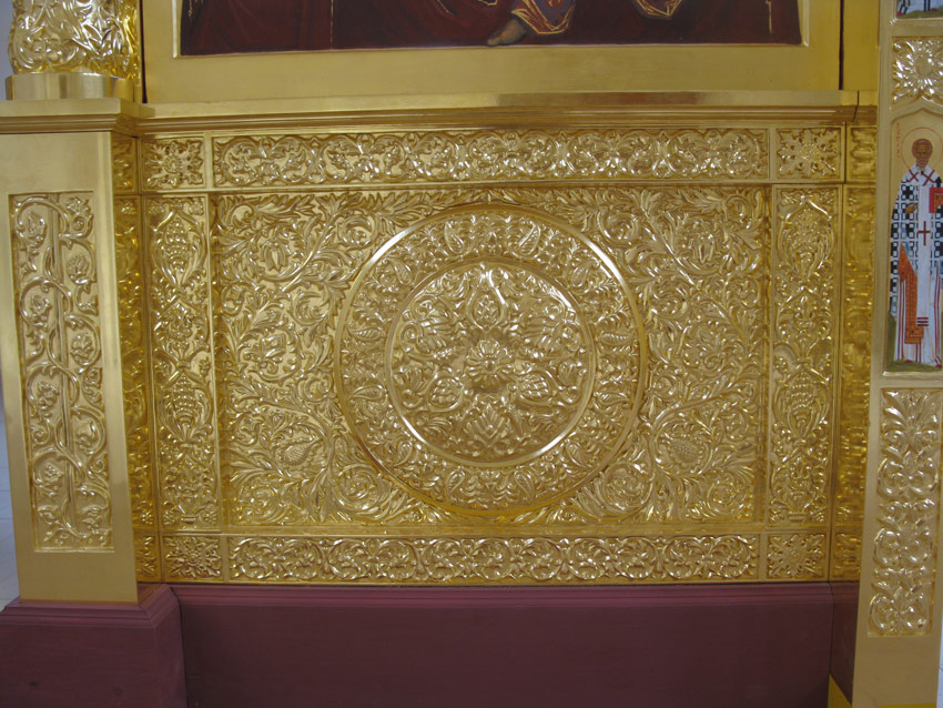 Иконостас в храмe св. Косьмы и Дамиана при Боткинской больнице 2008г.