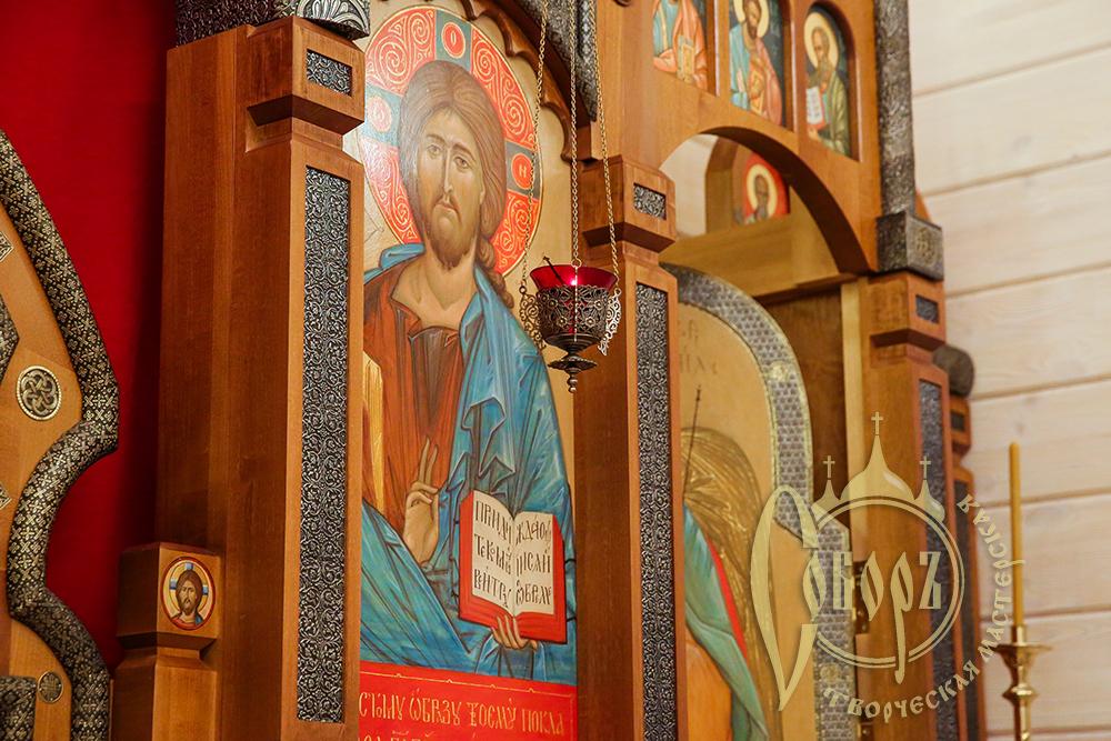Иконостас в храм в честь РОждества Христова в пос  Старый Сиг 2020г.