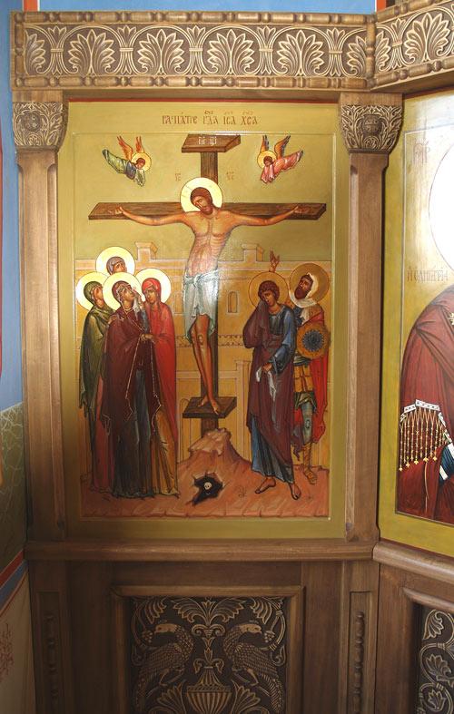Иконостас в храме св. Троицы Живоначальной под Серпуховым 2007г.