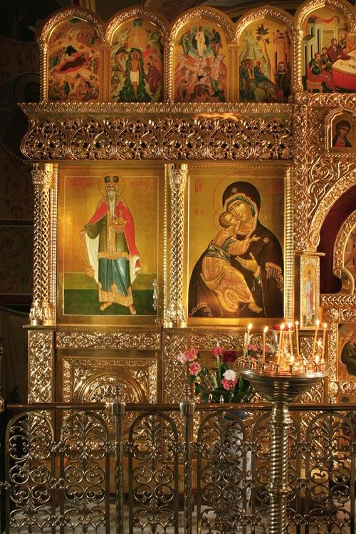 Иконостас в храме в честь Нерукотворенного образа в на Сетуни 2008г. Южный придел.