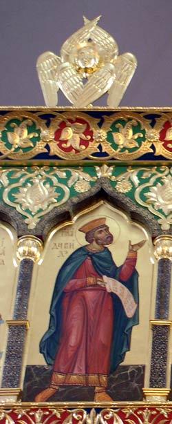 Иконостас в храме св. Серафима Саровского