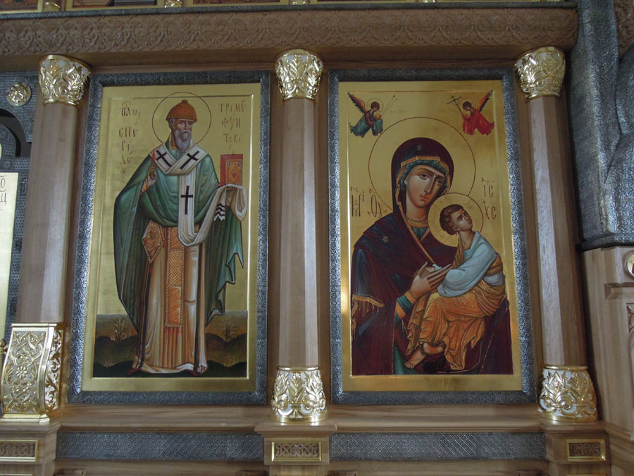 Иконостас в храме св. Николая на Болвановке